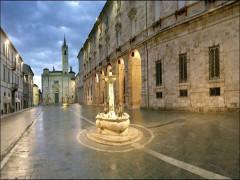 Piazza Arringo, Ascoli Piceno
