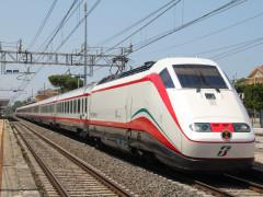 Trenitalia, Frecce, treni