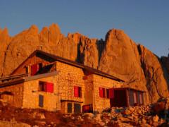 Il rifugio Carlo Franchetti sul monte Gran Sasso, a Pietracamela di Teramo