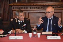 Unimc e Carabinieri: convenzione per la formazione del personale: il generale Favarolo (sx) e il rettore Lacché (dx)