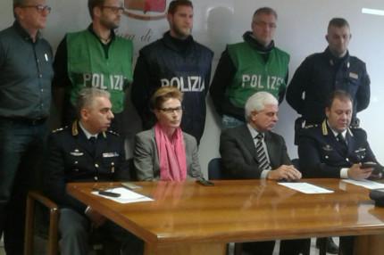 """L'operazione """"Venezia"""" della Polizia di Stato di Ancona contro il traffico di migranti"""