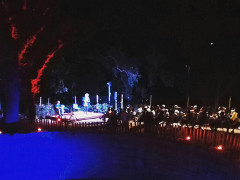 Più di 150 persone ad ascoltare i versi del poeta latino Lucrezio sotto le stelle a Grottammare