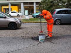 Chiusura buche a Pesaro