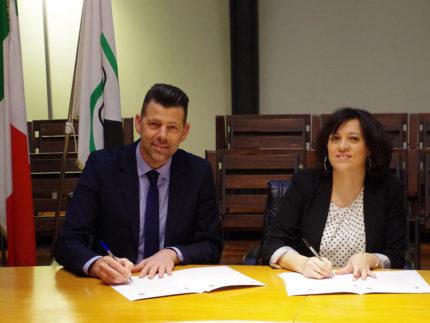 Maurizio Mangialardi e Meri Marziali firmano protocollo su toponomastica al femminile
