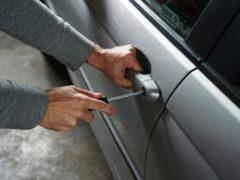 Furto con scasso in automobile
