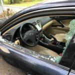 Auto danneggiata dai vandali a Pesaro
