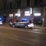 Polizia in via Giordano Bruno ad Ancona