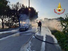 Incendio di un'automobile a Numana