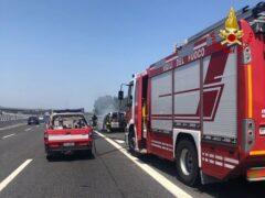Incendio nei pressi del casello di Marotta-Mondolfo